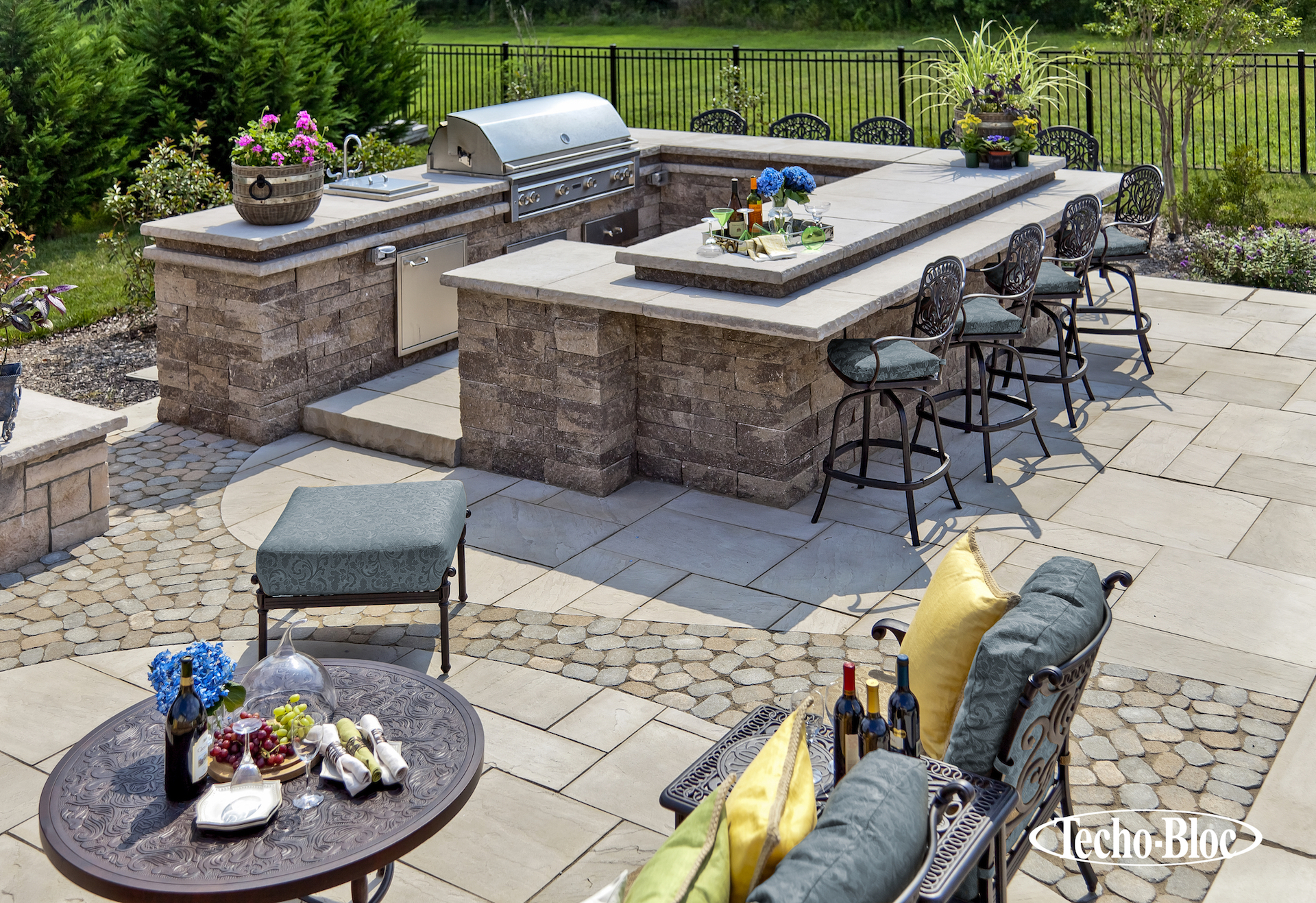 Techo bloc northern nurseries for Techo bloc