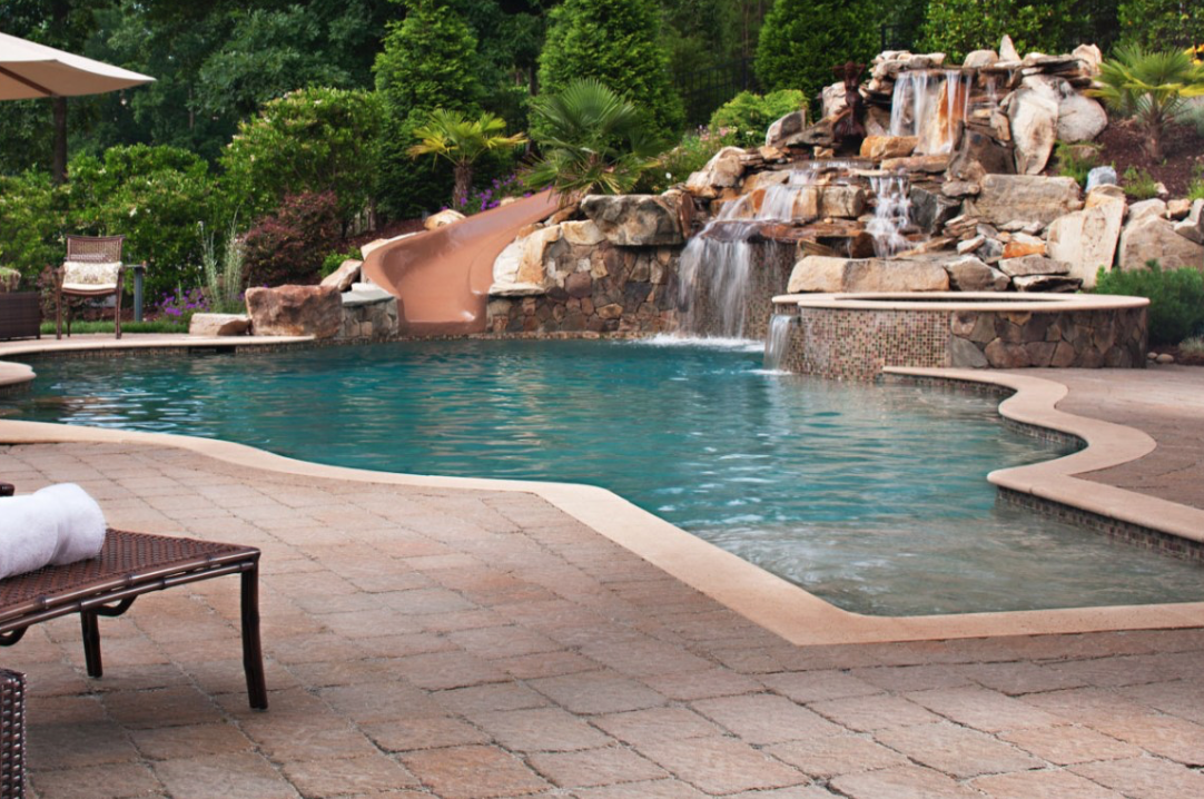 Pool decks patio trends spring 2017 northern for Pool design trends 2017